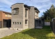 Se vende casa aislada con terreno propio