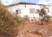 Gran terreno con casa material ligero
