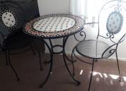 Se vende juego de  mesa mosaico dos sillas
